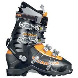Mountaineering ski boots Scarpa Skookum
