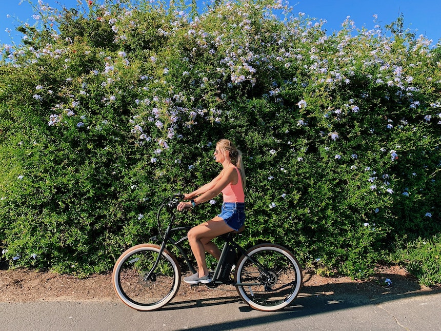 quanto costa la bici elettrica con motore nel mozzo anteriore