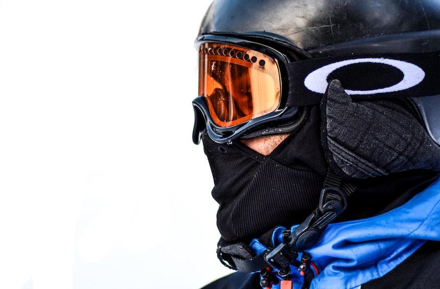scegliere tonalità delle lenti intercambiabili delle maschere da sci
