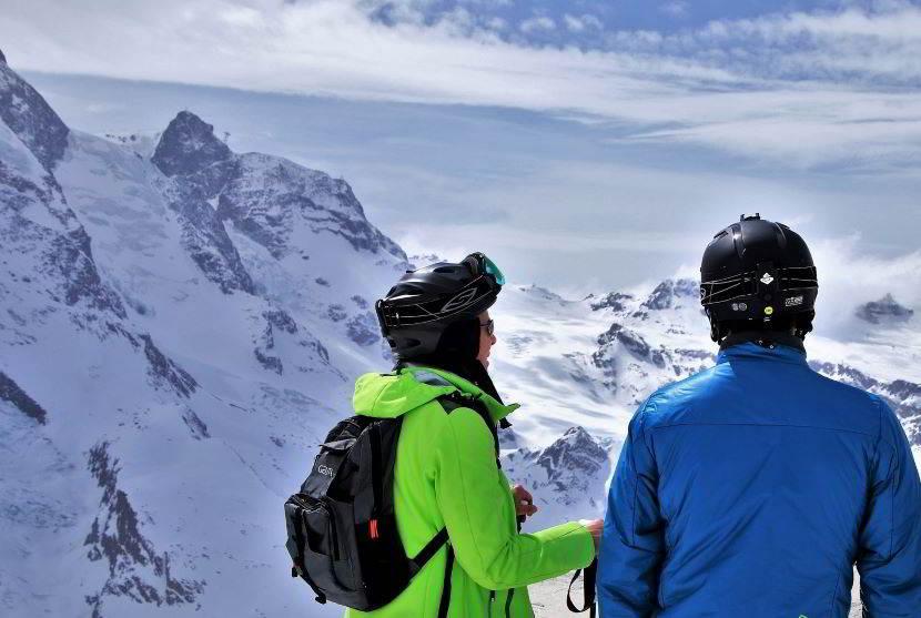 Come vestirsi per sciare protetti.