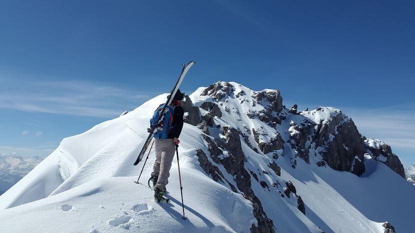 Scopri dove fare sci alpinismo in base alla propria esperienza.