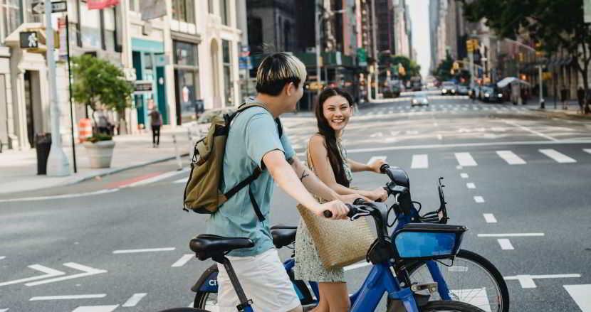 Alla ricerca del punto ricarica per biciclette elettriche.