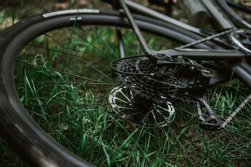 Scopri come deve essere una bici gravel per offrirti le prestazioni ottimali: scelta della corona.